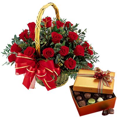 Italia in invia online cestino di rose con for Comprare bonsai online