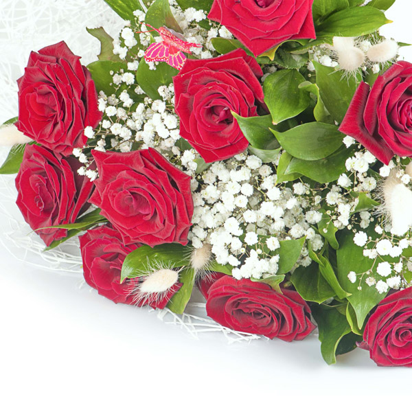 Spedire 9 rose rosse particolare