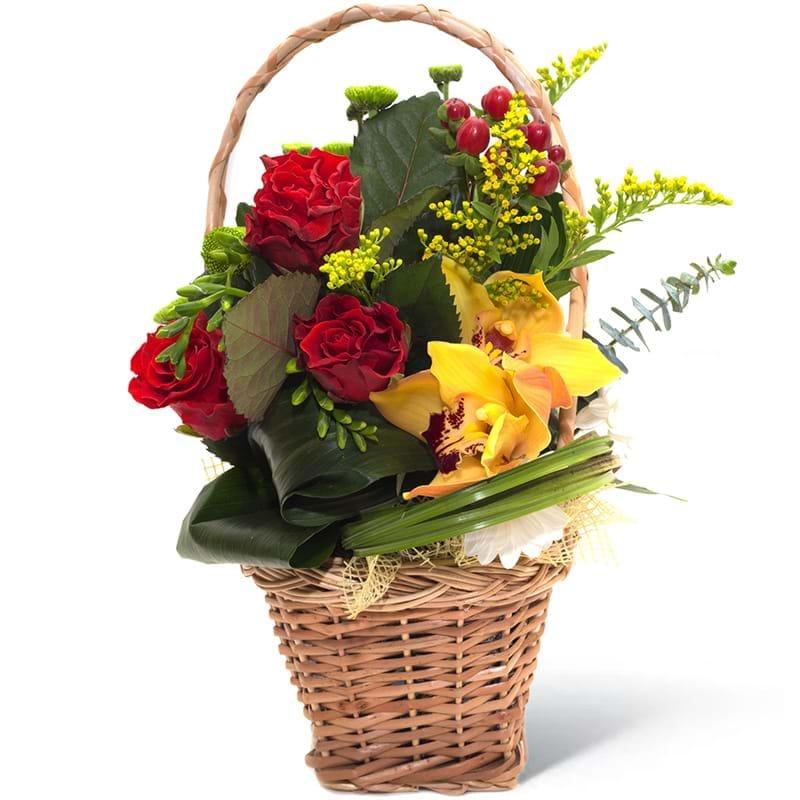 Spedire composizione in cesto di rose e orchidee