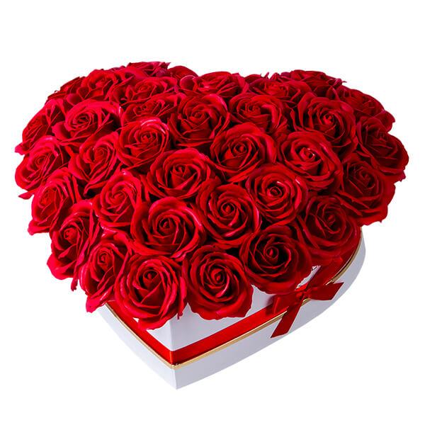 Spedire scatola cuore rose rosse